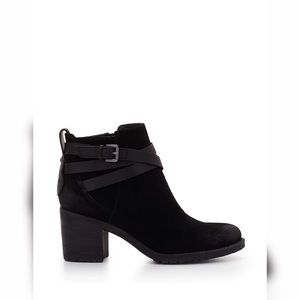 Sam Edelman Hannah Belted Ankle Booties Black